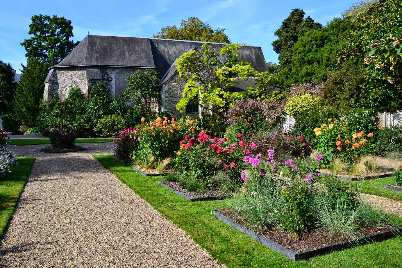 Petit jardin mosellan by caro jardin des plantes d 39 angers - Petit jardin image angers ...