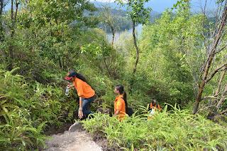 Adventure TeamBuilding - BigTree Tours Mt Tabur Bukit Melawati Climb