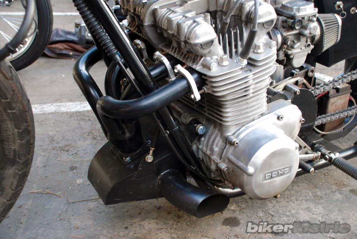 crazy kawasaki kz four-cylinder chopper pipes