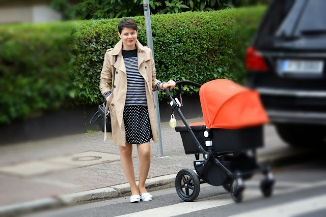 Mix the pattern, polka dots dress, blue stripe jumper, Stefanel jumper, Bugaboo camelion