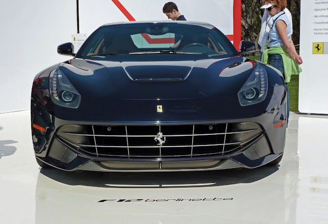 collection of new Ferraris on display, including this F12 Berlinetta-4.bp.blogspot.com