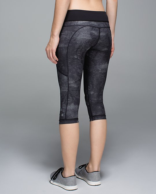 lululemon sequin snake skin passion crop