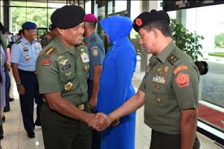 16 Perwira Tinggi TNI Naik Pangkat