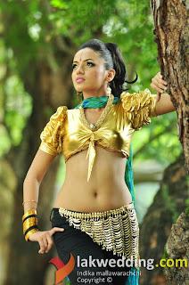 Udari Warnakulasooriya dance