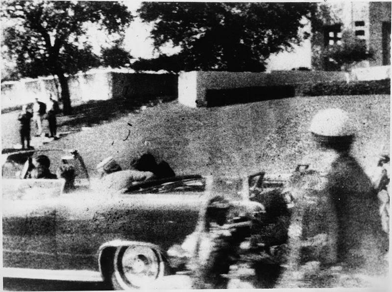 Tercer disparo coche Kennedy