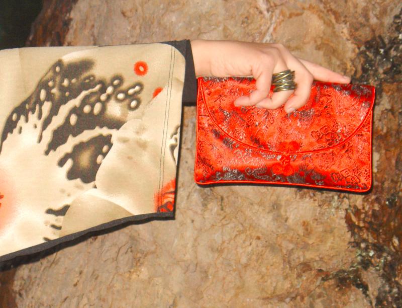 Kimono and Chelsea boots. Visit www.forarealwoman.com  #fashion #moda #blogger