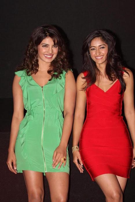 """priyanka chopra, ileana at """"barfi"""" trailer launch hot photoshoot"""