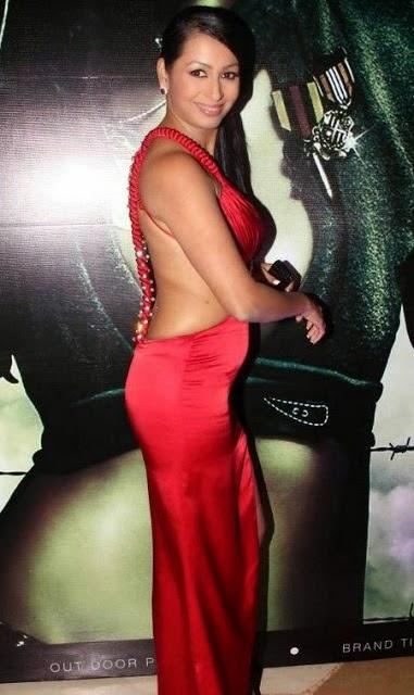 kashmira shah deep cleavage hd pics