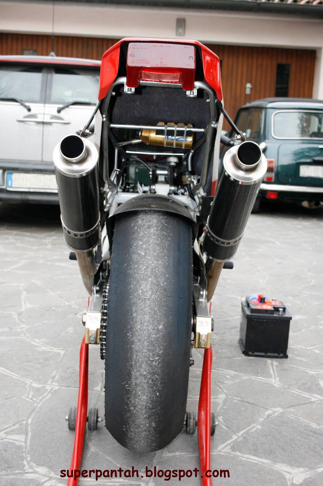 Ducati 851-888 - Page 2 888%2BRacing%2B%252811%2529