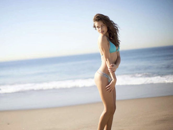 Yara Khmidan flaunts curves for the San Lorenzo Bikinis Lookbook 2014