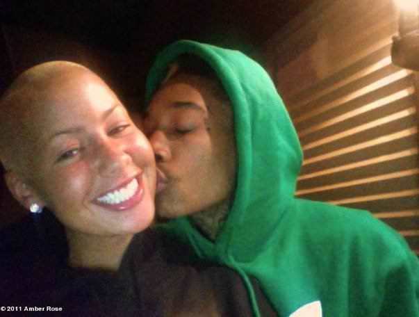 amber rose pregnant by wiz khalifa. wiz khalifa and amber rose 2011. wiz khalifa amber rose. wiz