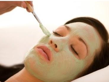 mascarilla de aguacate, mascarilla verde, tratamientos faciales naturales, tratamientos caseros para eliminar las arrugas, borrar arrugas, tratamientos para las arrugas, remedios para las líneas de expresión, remedios caseros, remedios naturales para la cara, rejuvenecer la cara