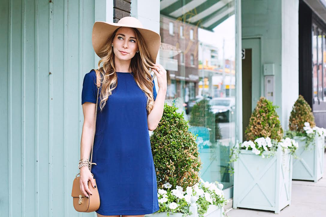 OOTD - Navy Shift Dress For Travel | La Petite Noob | A Toronto ...