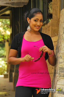Dilini Lakmali Thrimannage pink