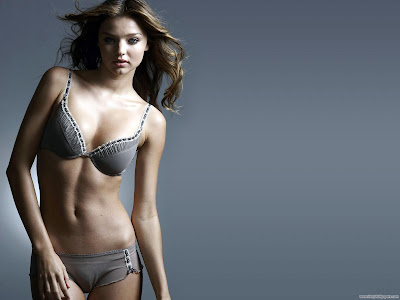 Gorgeous Model Miranda Kerr Desktop Wallpaper