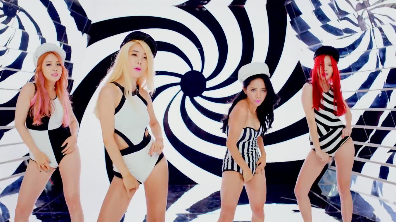 Nhóm nhạc AOA tiết lộ cả nhóm đều là Fan ManU