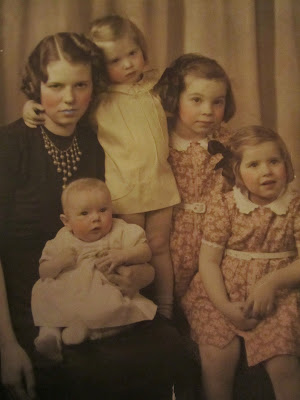 Climbing My Family Tree: Mabel LeRe Erwin Snyder and her girls (Barbara is to the right of the girl in yellow)