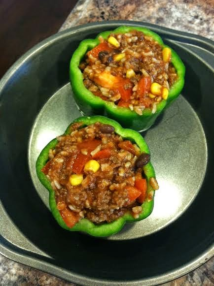 clean eating, stuffed peppers, 21 day fix, black beans, corn, green peppers, cheese, tomato sauce, beachbody, coach, transformation, weight loss, weight watchers, healthy, fit mom, success story