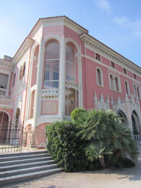 Femme Et Fleur A Bad Marriage And An Excellent Villa