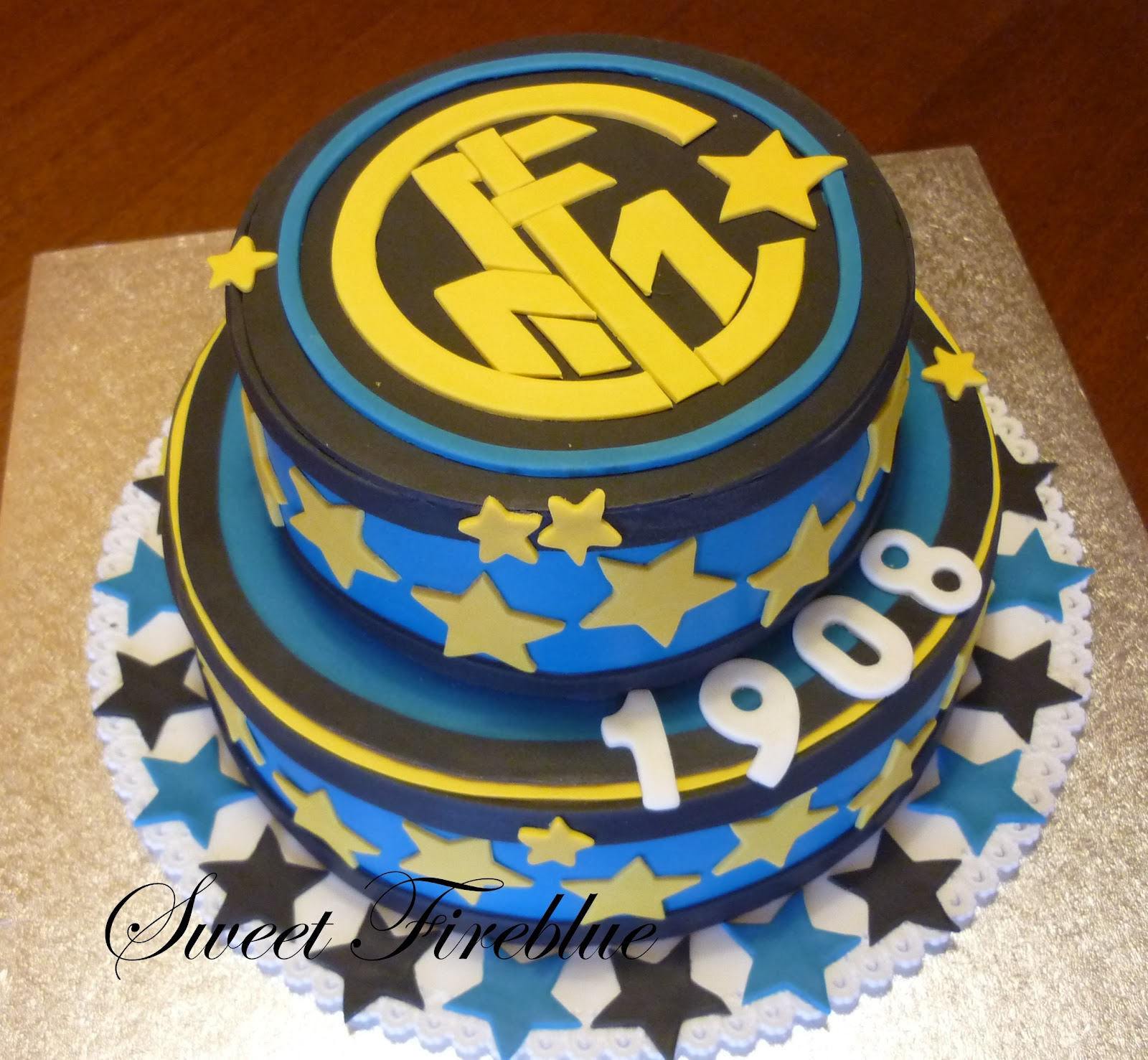 Sweet fireblue torta inter a due piani for Inter designing