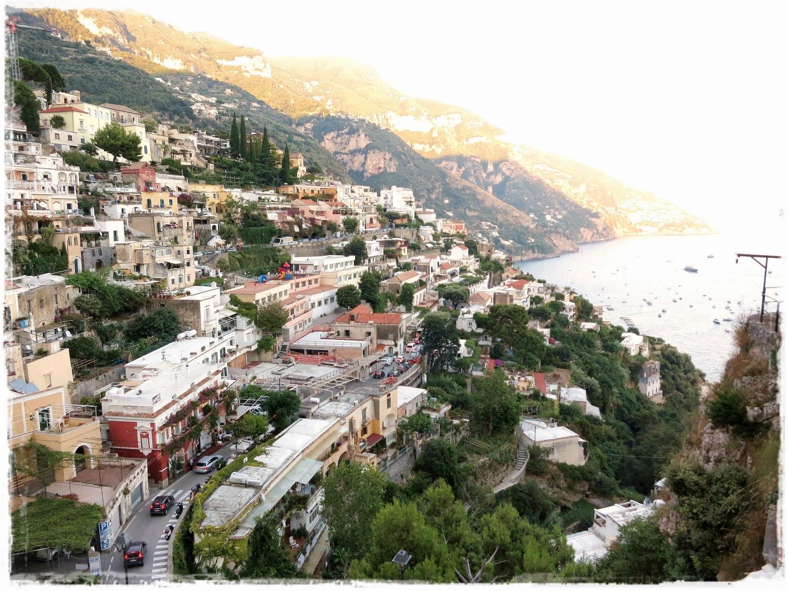 Paperesse clinging to the amalfi coast in positano italy for Amalfi to positano