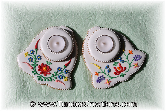 Christmas cookies with Hungarian folk art design by Tunde Dugantsi