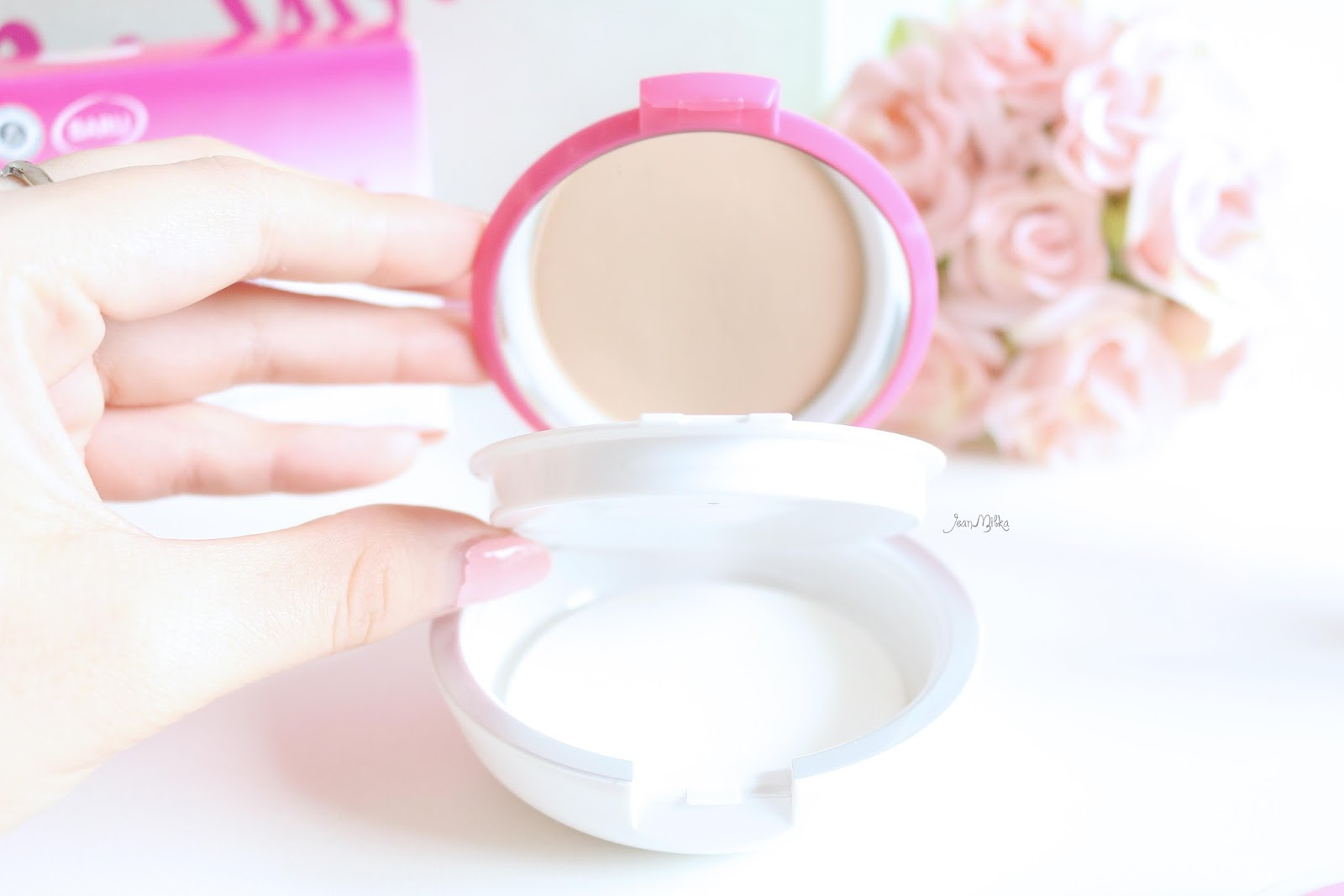 review, marina, marina smooth and glow, bb cream, two way cake, powdery foundation, compact powder, drugstore, makeup, makeup murah, smooth and glow uv, saatnya bersinar, two way cake, marina two way cake