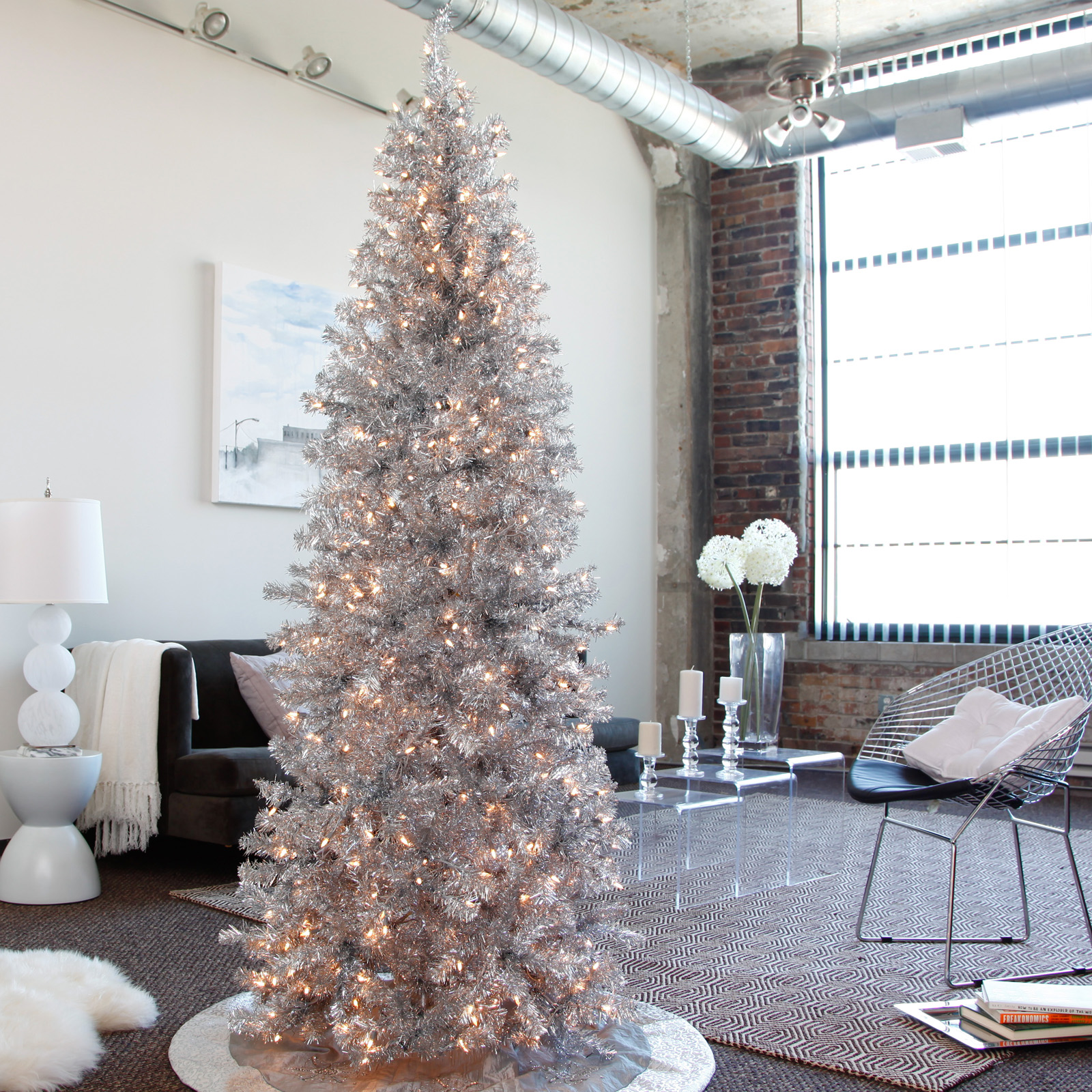 Christmas Tree With Silver Decorations: Modern Christmas Trees [18 Pic]