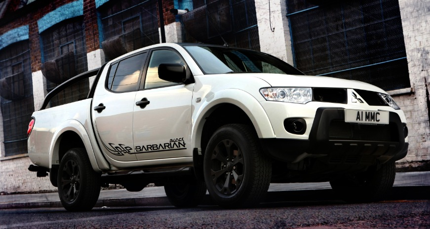 Mitsubishi L200 Barbarian 2014 | Car Interior Design