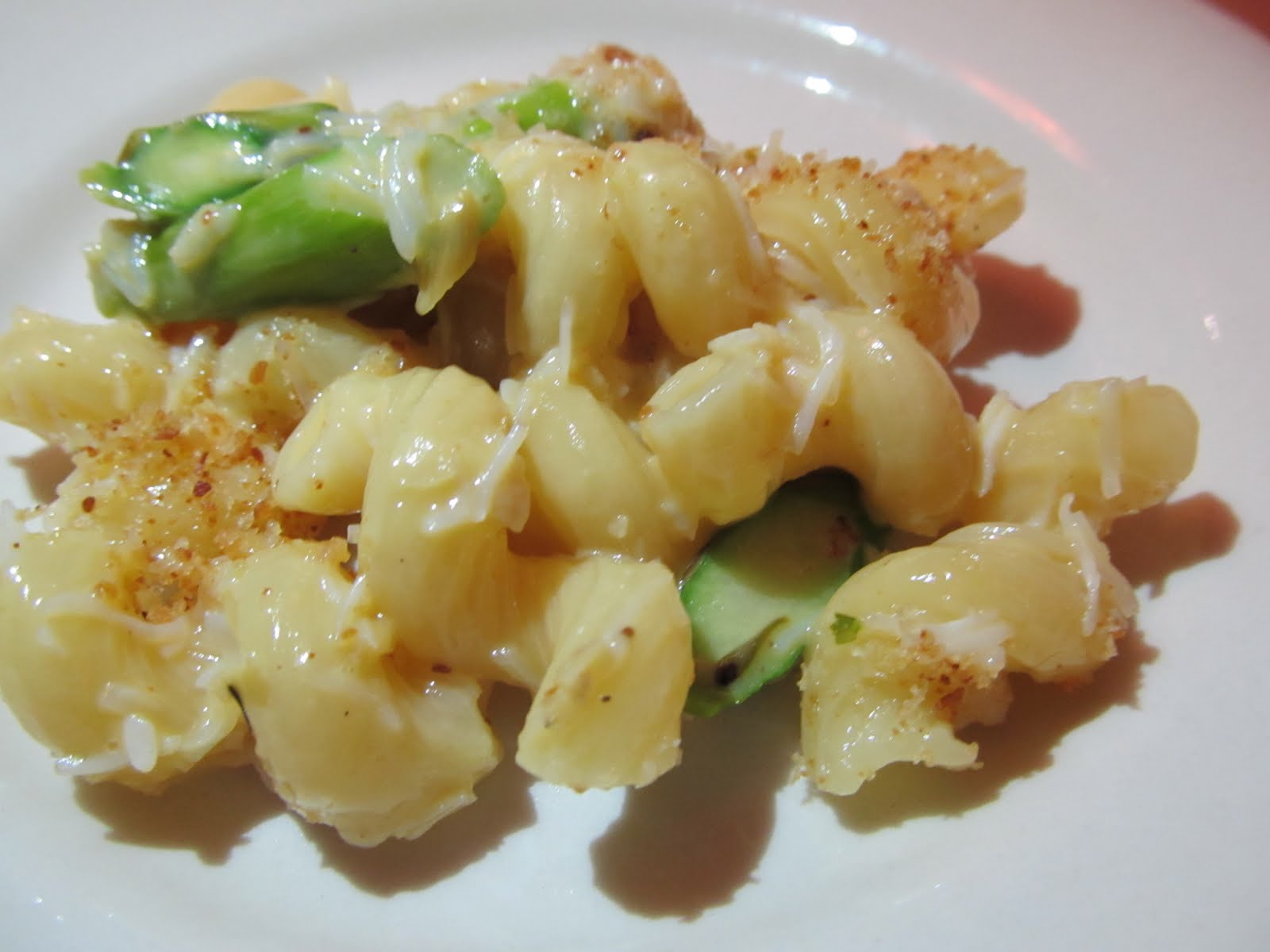 The Boston Foodie: Mac and Cheese at Max and Dylan\'s