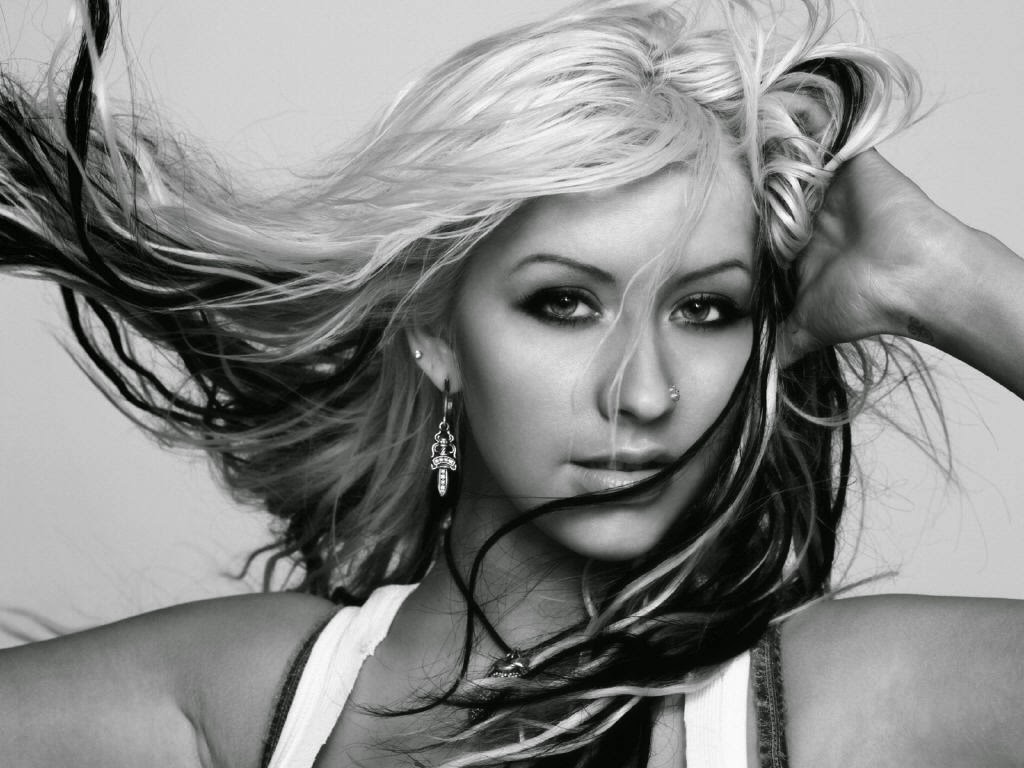 http://www.fanpop.com/clubs/christina-aguilera/images/32724758/title/christina-photo