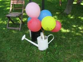 rainbow birthday party balloons