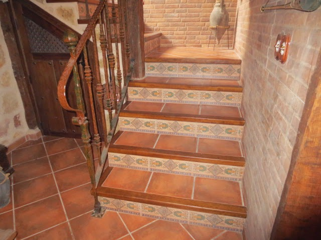 El talon sierte construcci n en segovia marzo 2015 for Baldosas para escaleras