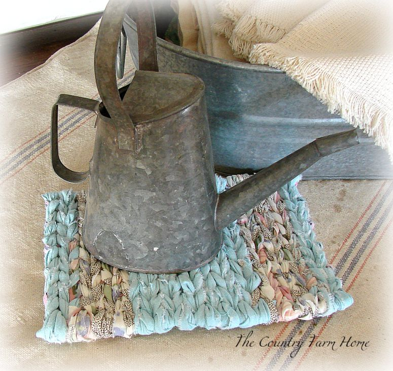 The Country Farm Home: Rag Rug Loom Giveaway