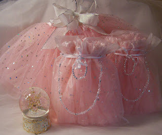 http://www.myprincesspartytogo.com/PoshPartyBoutique.html