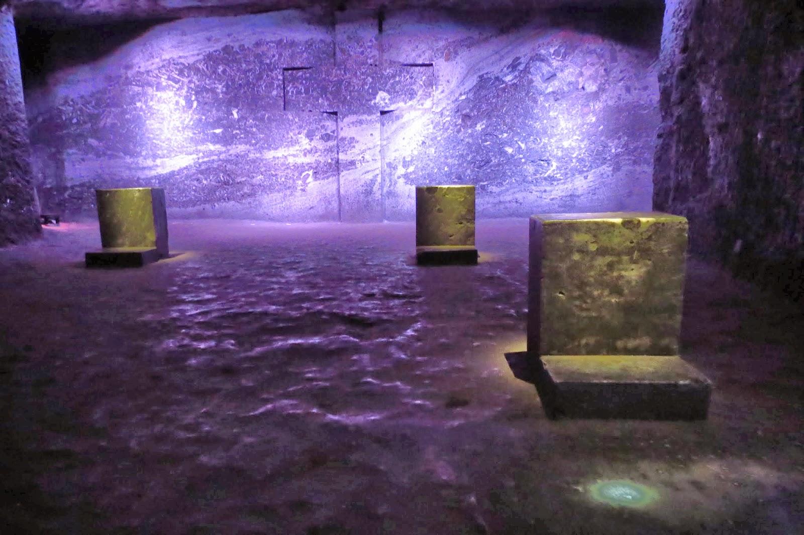 spiegeleye 180 meter unter der erde die salzkathedrale von zipaquir. Black Bedroom Furniture Sets. Home Design Ideas