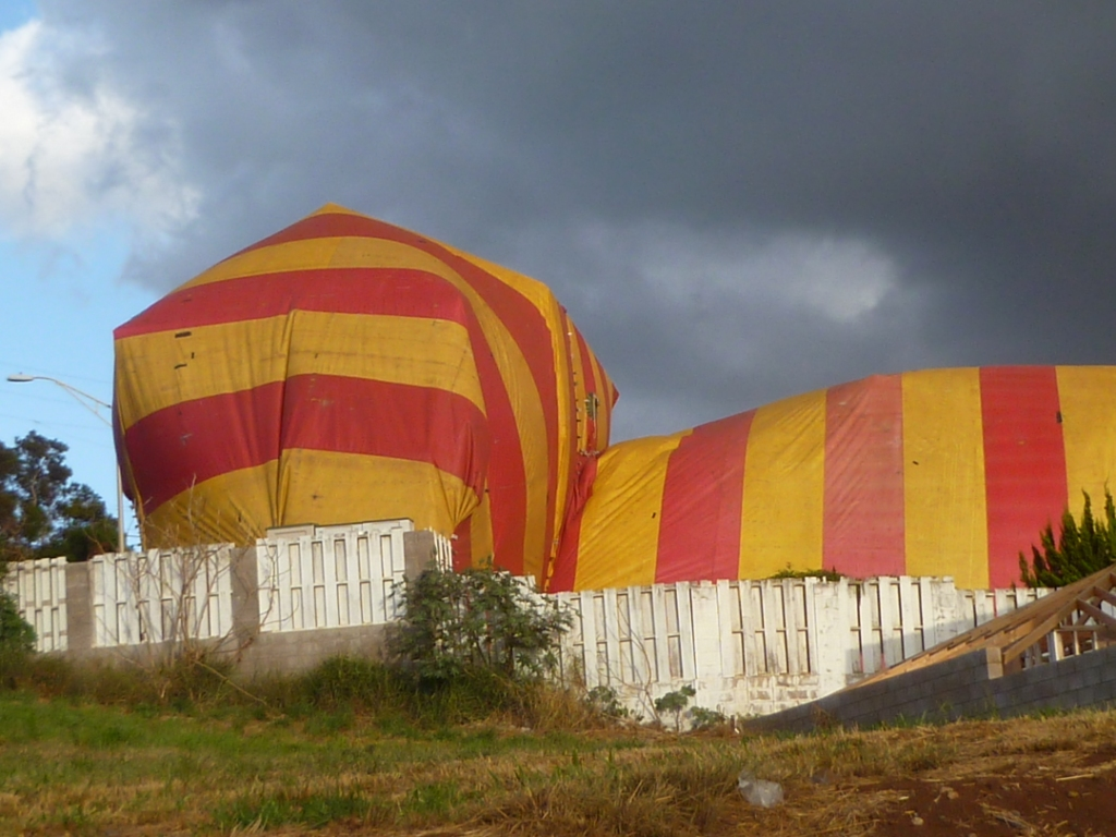 Yes a big silly striped termite tent. This photo was taken of a house in Pukalani. & Maui Jungalow: Nontoxic Termite Treatment