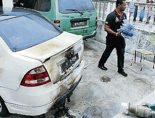 kereta dan rumah anggota polis dibakar