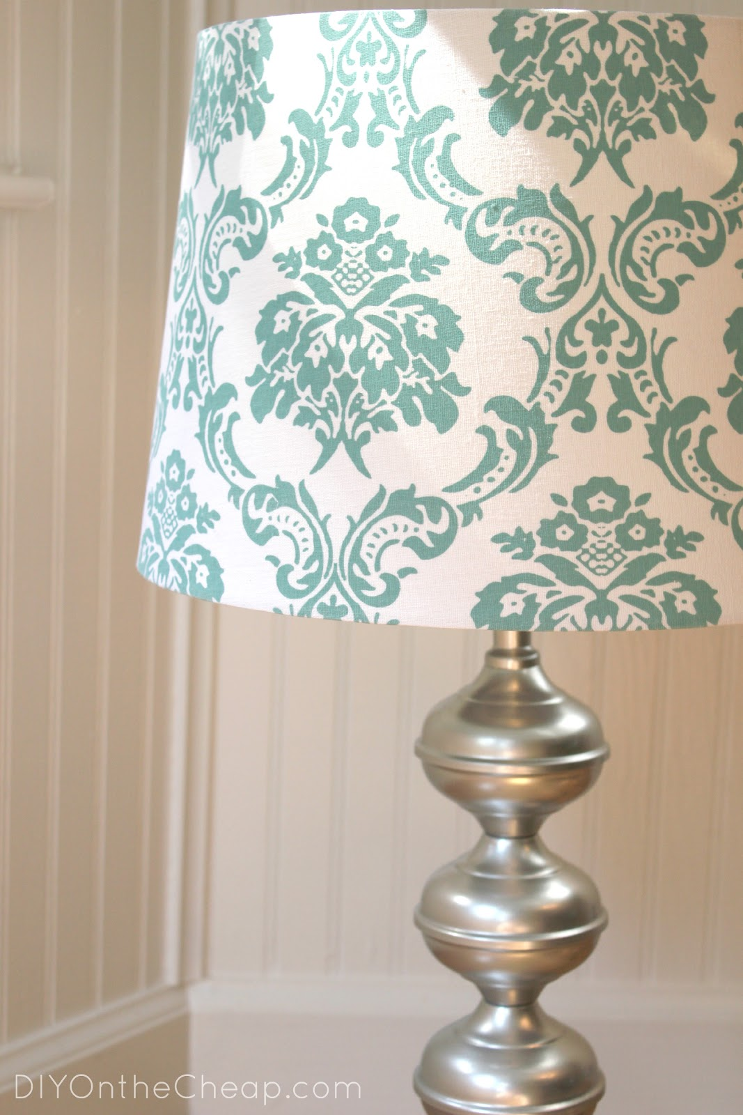 Thrift store lamp makeover diy on the cheap for Redoing lamp shades