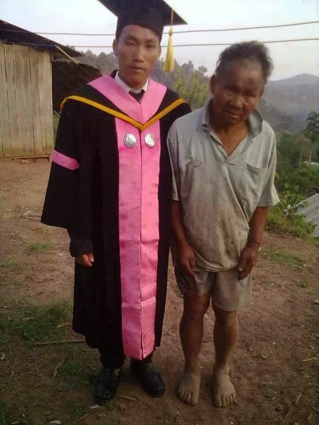 el hijo de un pobre granjero se gradúa en la universidad