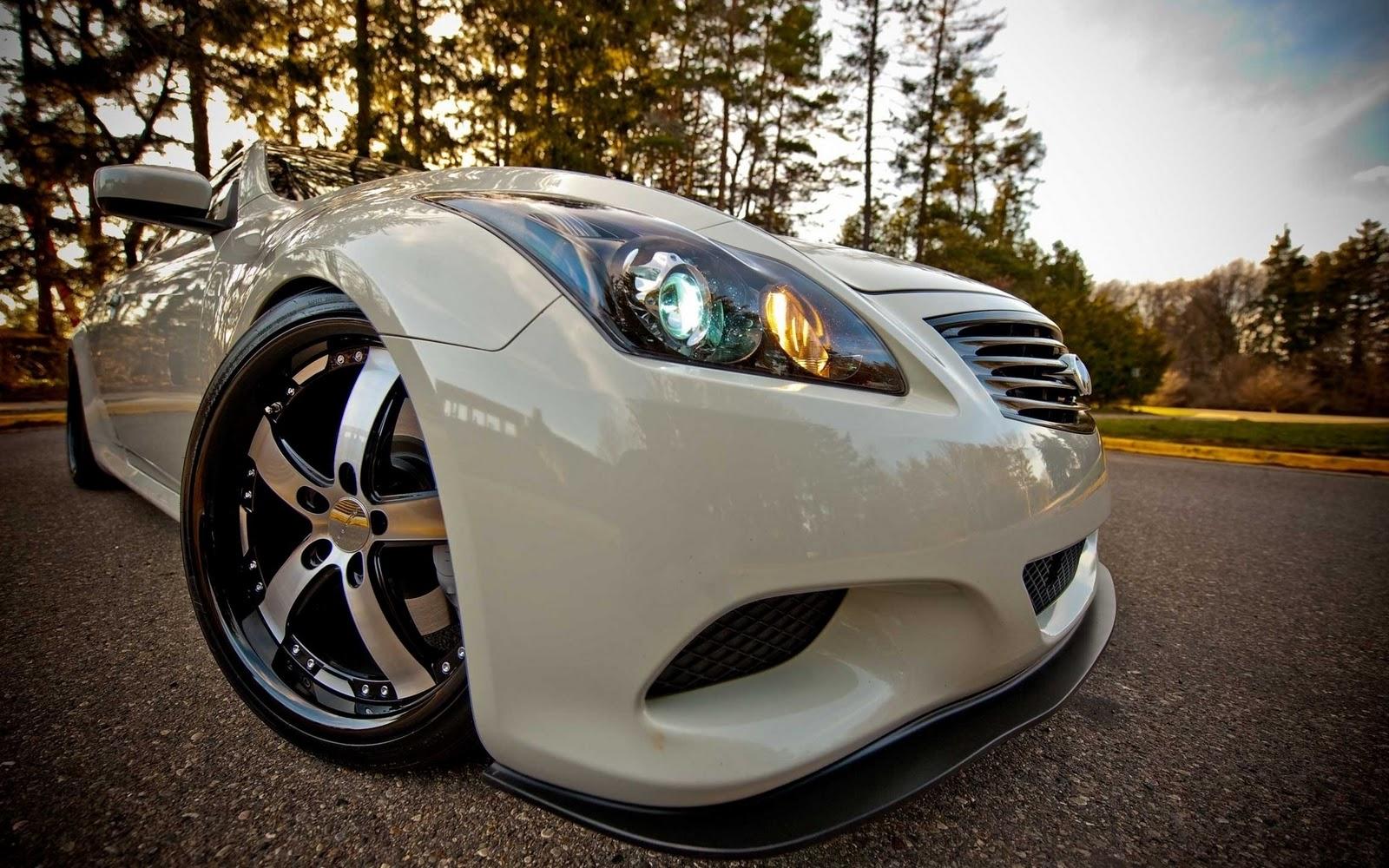 White car Desktop wallpaper 2012 En Güzel HD Araba Resimleri indir