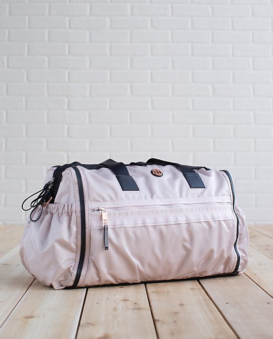 lululemon blush weekend warrior bag