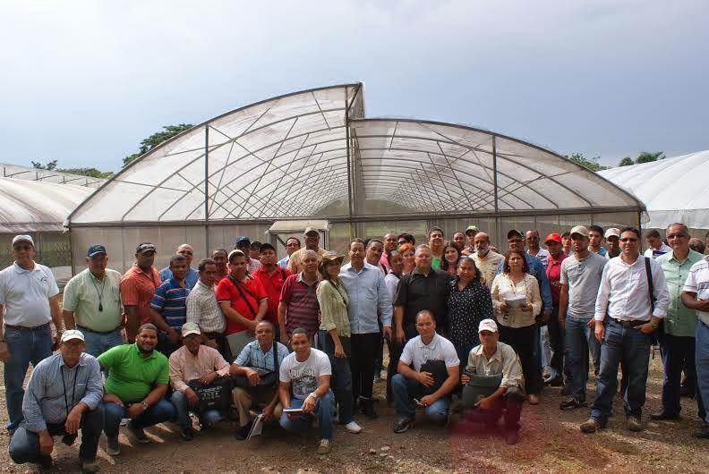 """CONIAF Y UCATECI  clausuran diplomado """"Modelo de Agricultura en Ambiente Controlado"""""""