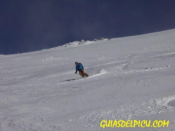 Esqui de montaña con guia de alta montaña Fernando Calvo Gonzalez , alpinismo en picos de europa