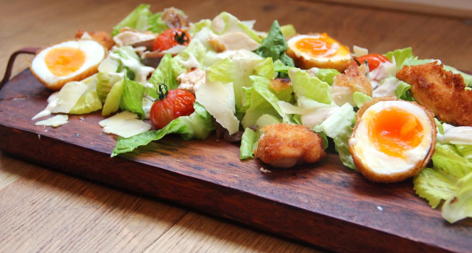 Uitzonderlijk Kookkunst: Caesar salad met krokante kip, ansjovismayonaise en &SX32
