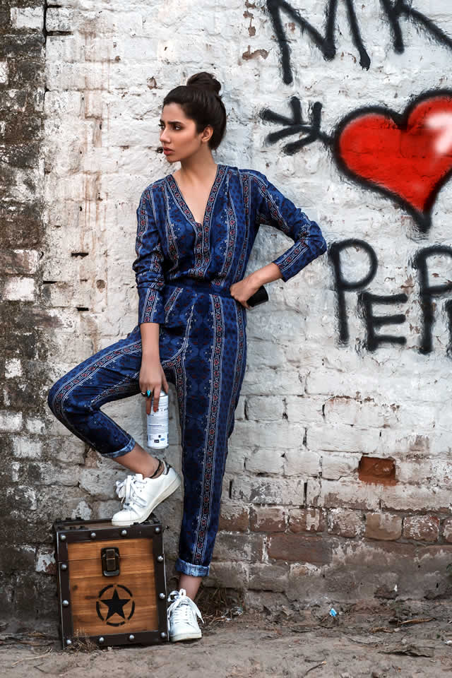 Mahira Khan Exibits The New Pepe Jeans FOr Women For Winter Collection