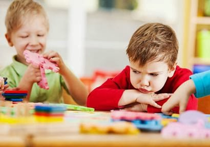 how to teach social skills to autistic child