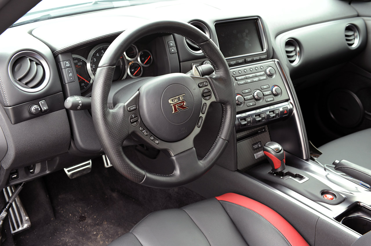2012 NISSAN GT-R INTERIOR DESIGN