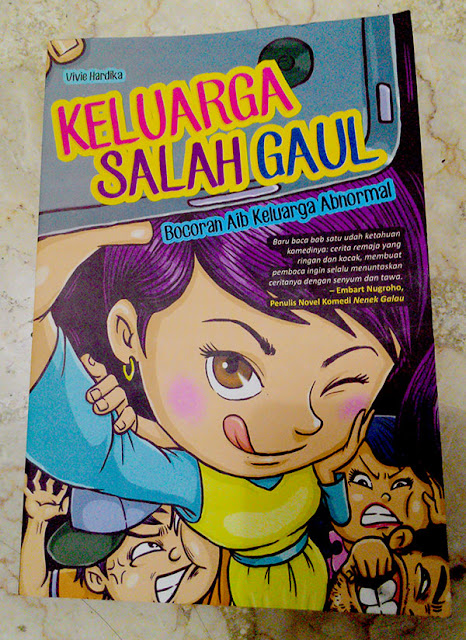 Novel Keluarga Salah Gaul by Vivie Hardika