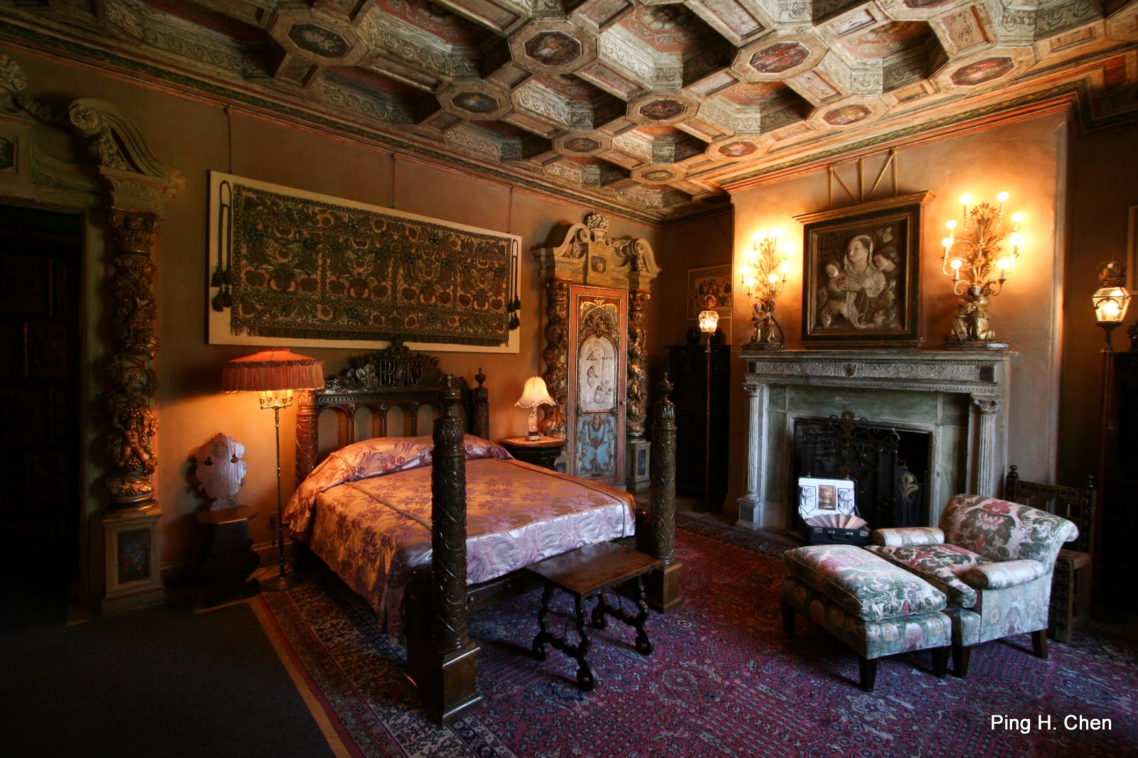 Castle master bedroom - Bedroom